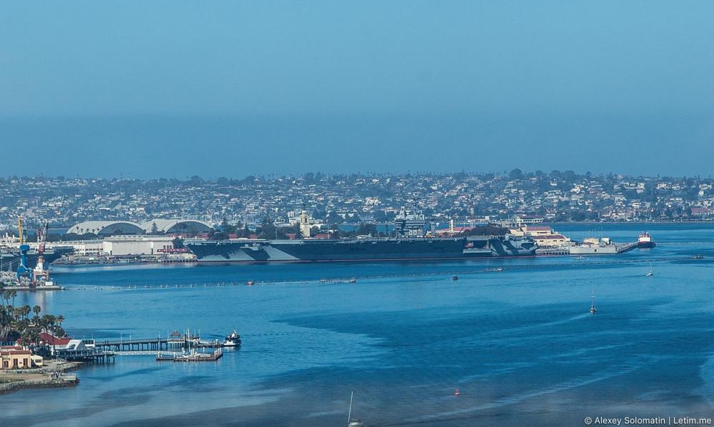 Авианосец в Сан-Диего