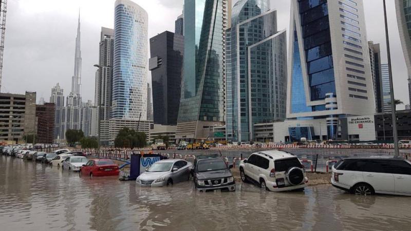 Дубай затопило. Оказывается это сделали специально