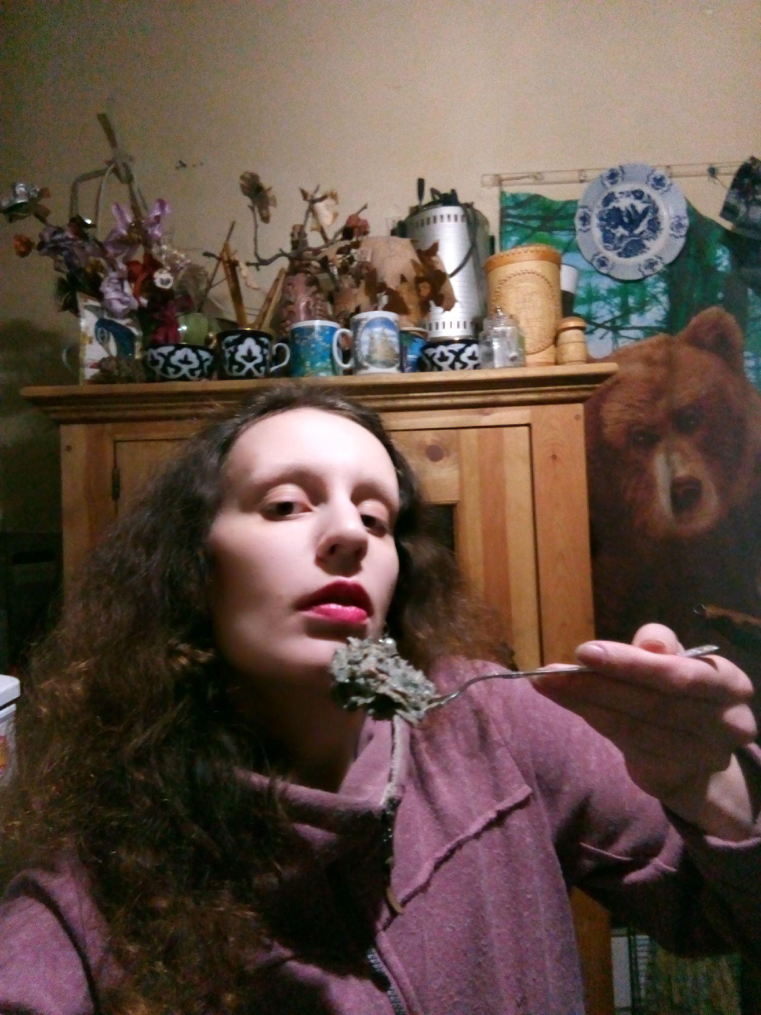 Пробуем блюдо. Шутка: на самом деле не вздумайте. Фото: ©SoLutova