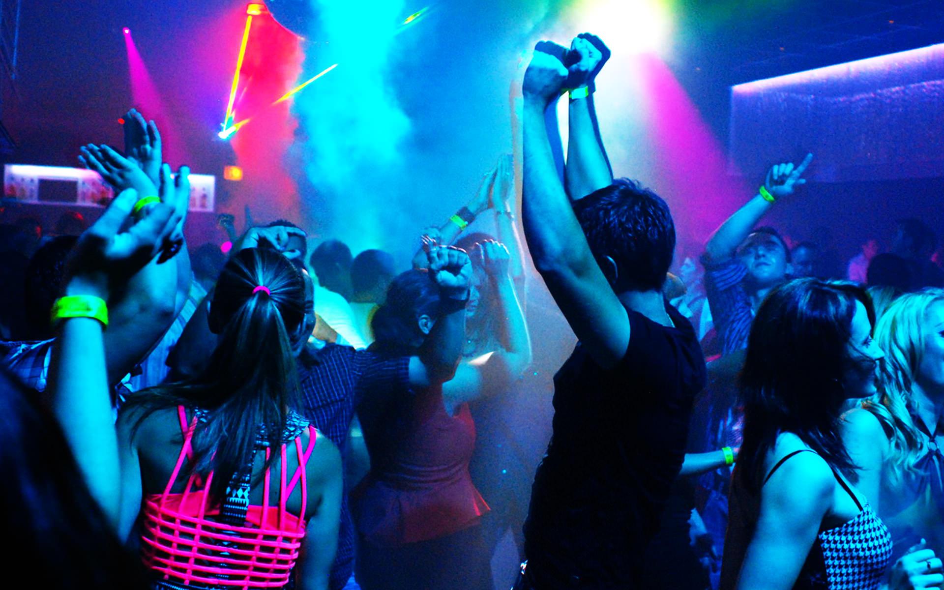 Ночные клубы страсть в стерлитамаке какой ночной клуб работает