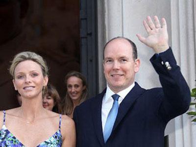 Monako krali Alber ve shahzade Sharlen