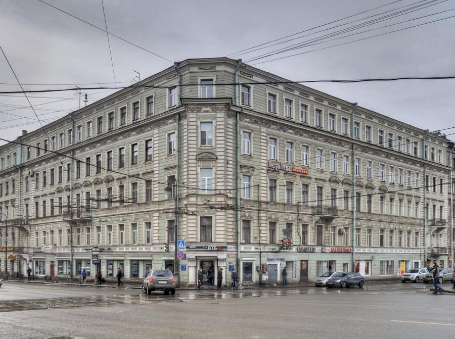 Каменноостровский пр., 44 Карповки наб., 16