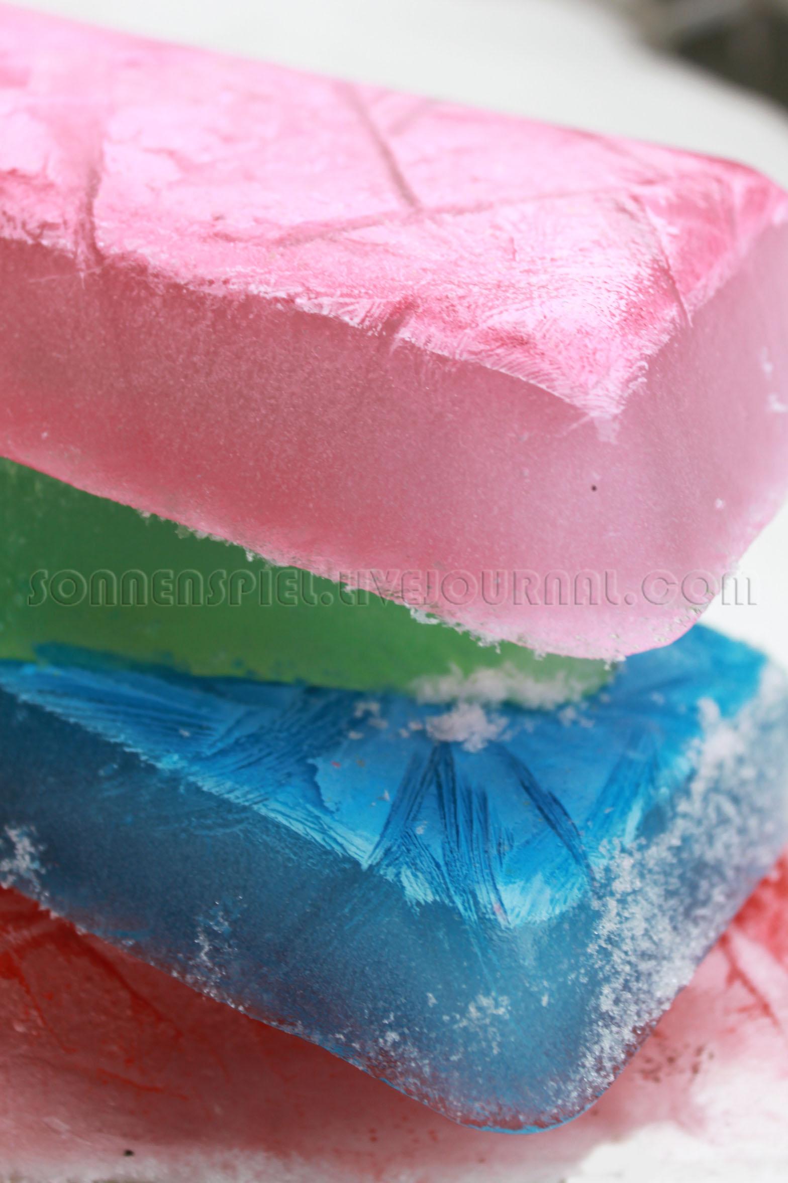 разноцветные ледышки