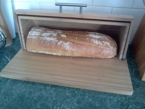 Хлеб в хлебнице