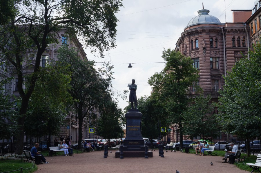 Fifteenth day. St. Petersburg. Pushkin-Dostoevsky-Blacksmith market. attention, building, much, drew, market, later, Marat, more, plan, time, really, interesting, back, once, streets, beginnings, always, before, Peter, places