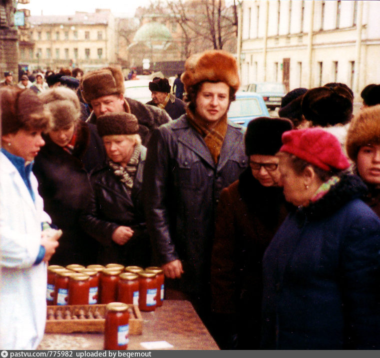 Fifteenth day. St. Petersburg. Pushkin-Dostoevsky-Blacksmith market.attention, building, much, drew, market, later, Marat, more, plan, time, really, interesting, back, once, streets, beginnings, always, before, Peter, places