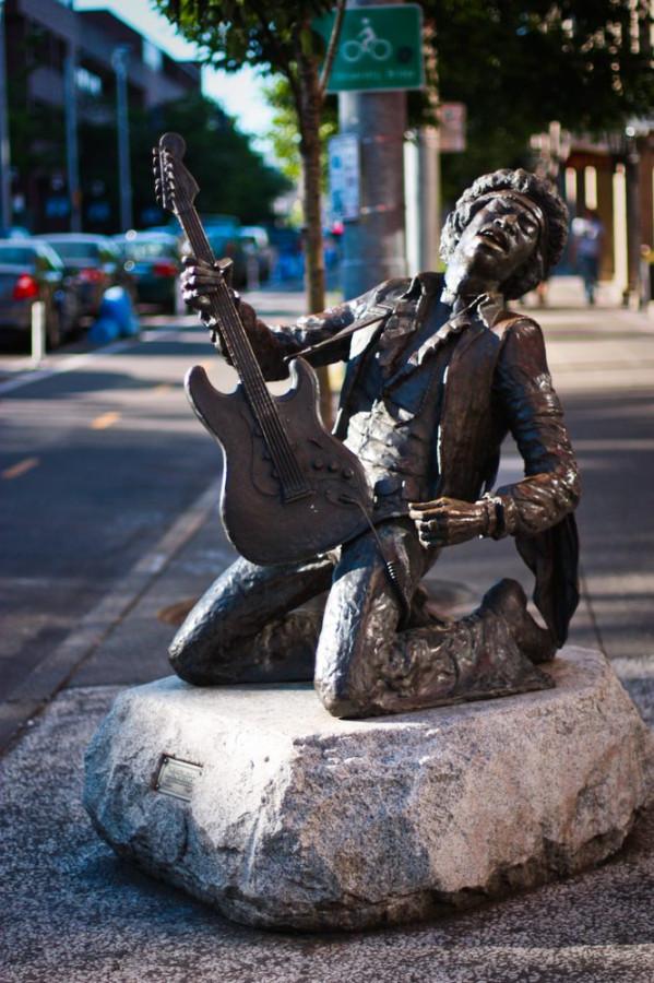 Памятники рок звёздам.