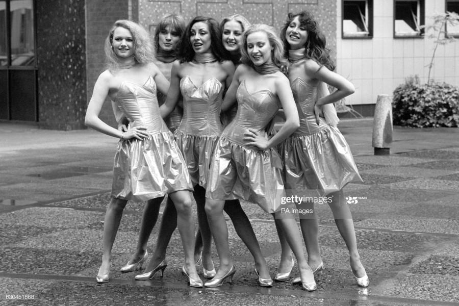 Очаровательные танцовщицы на британском телевидении.
