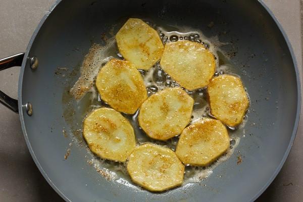 Рецепт: Картофельный пирог с грибами на французский лад