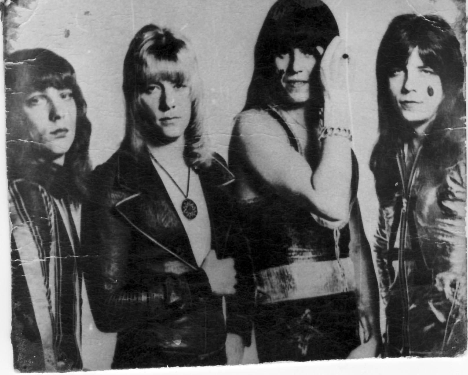 1977_04_sweet