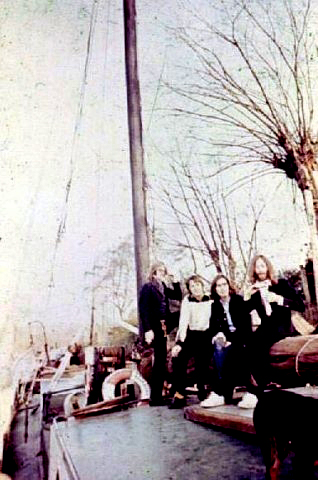 1975_08_avovka_beatles14