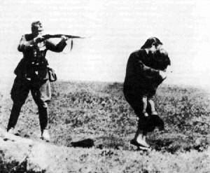 einsatzgruppen-disparando
