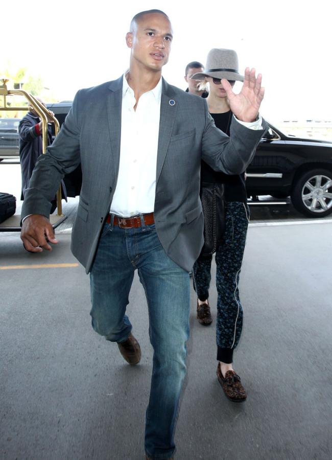 Bodyguards justin bieber snl celebrity