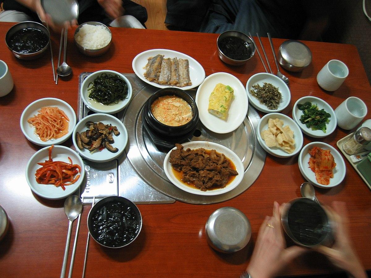 5 самых распространённых корейских закусок в России