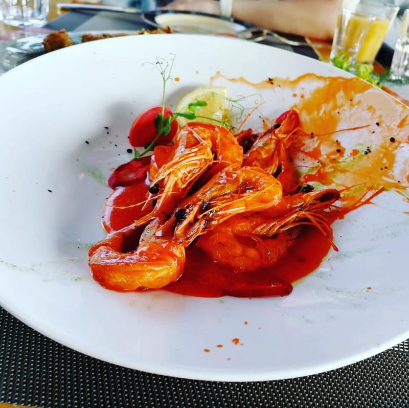 Креветки в остро-сладком соусе