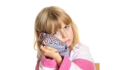 Сильно болит ухо у ребенка что делать