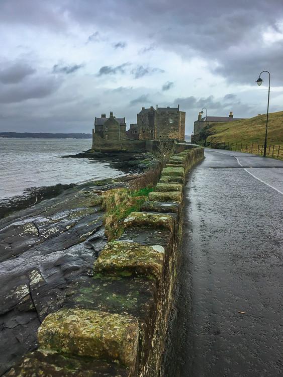 Три замка и три вида шотландской погоды. Blackness, Linlithgow, Stirling.