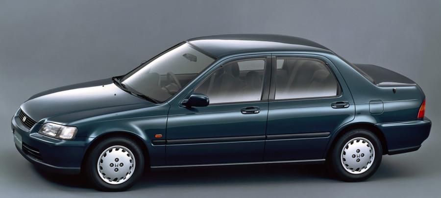 1992_Honda_Domani_side
