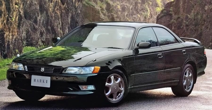 1992_Toyota_Mark_II_(JZX90)_Tourer_V_front