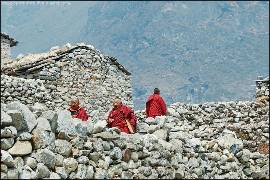 _DSC9659 монахи в таме