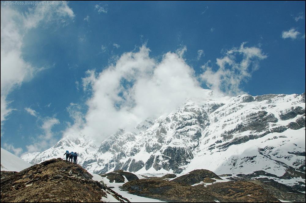 _DSC7492 силуэты на фоне горы