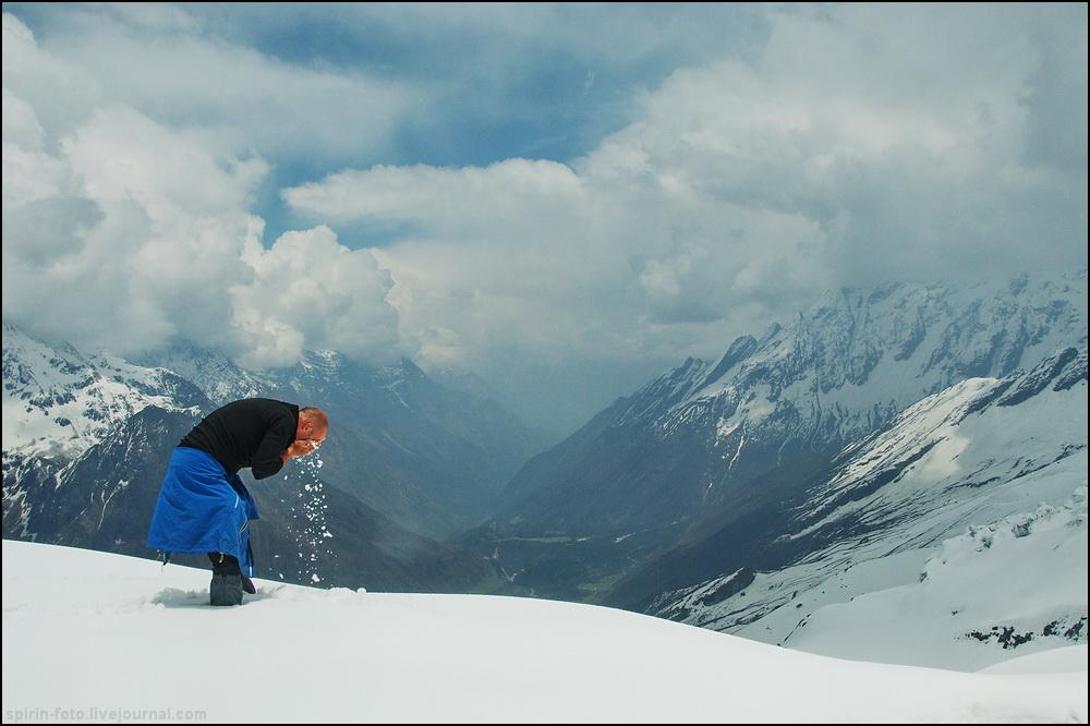 _DSC7585 умыванье снегом