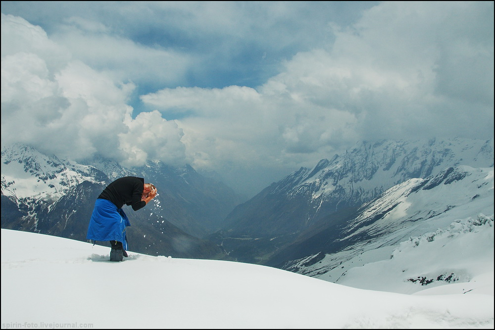 _DSC7586 умыванье снегом 2