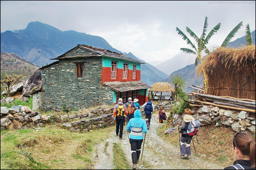 _DSC5532 группа в деревне