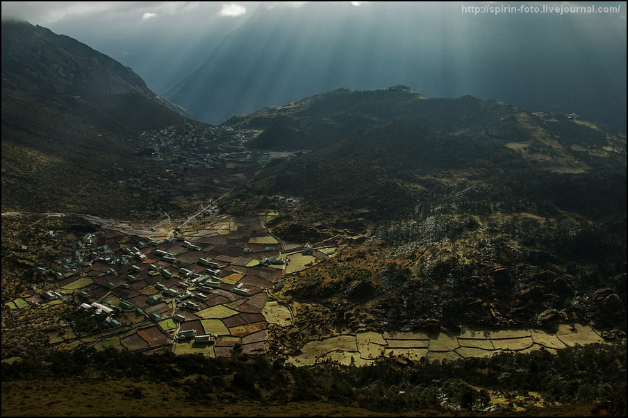 6438 деревни Кхунде и Кумджунг