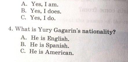 ______кем был Гагарин 1