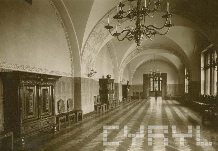 Зал в восточной части Императорского Замка