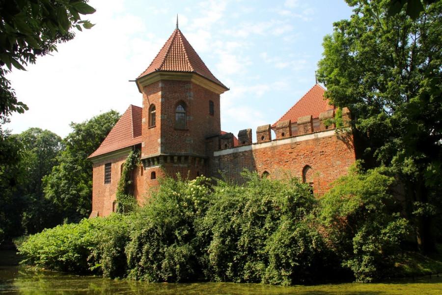 Замок в Опоруве_7