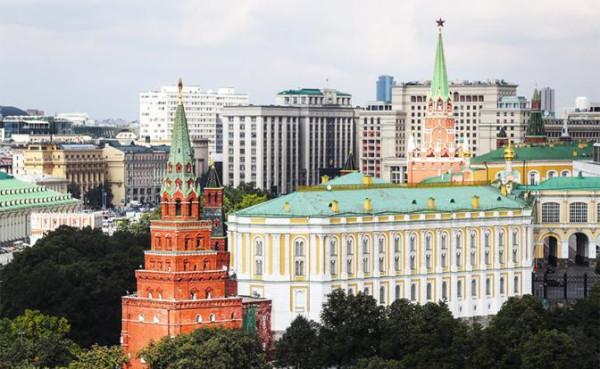 Кремлю следует сочетать сильные слова с решительными действиями