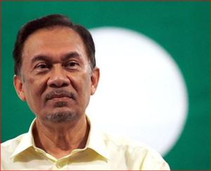 Любимый западом лидер оппозиции в Малайзии Анвар Ибрагим оказался педерастом. Все, как и на Украине. Кто бы сомневался