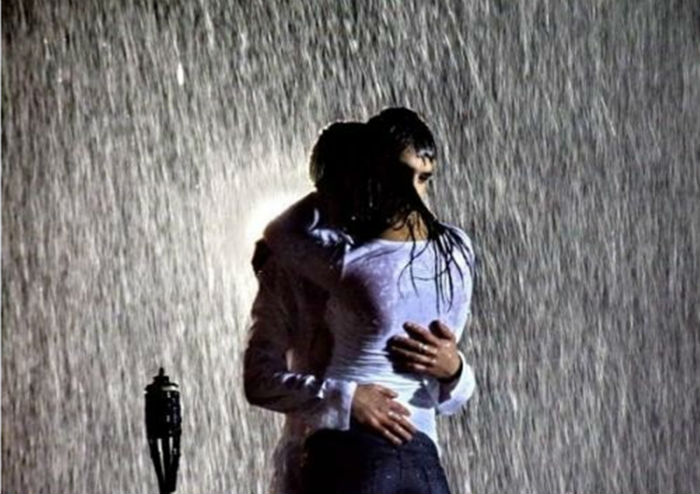 saruta-ma_in_ploaie_rain_kiss_people-SgnH