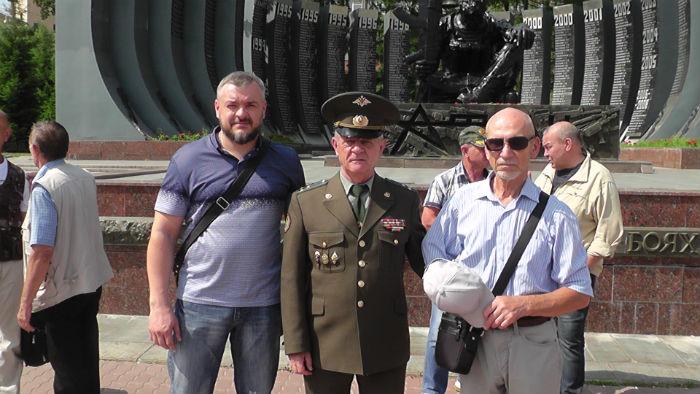 Напряжение. Полковники В. В. Квачков и Л. В. Хабаров
