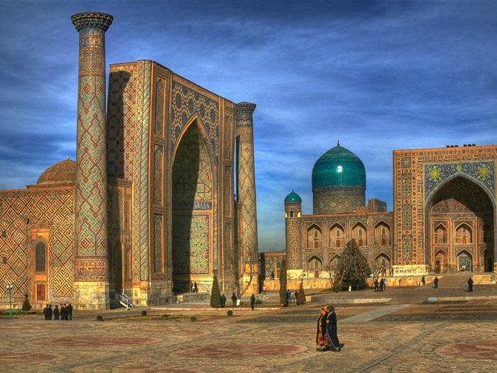 Жизнь общества. Узбекистан