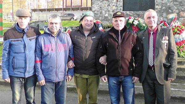 Группа Ростов со своими почитателями