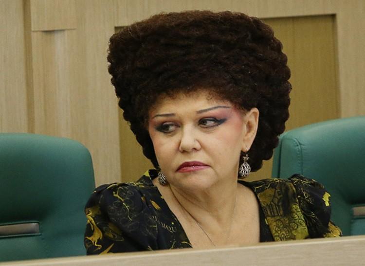 странные прически женщин политиков
