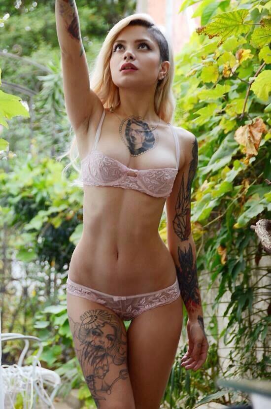 Худенькие красивые девушки голышом фото 688-240