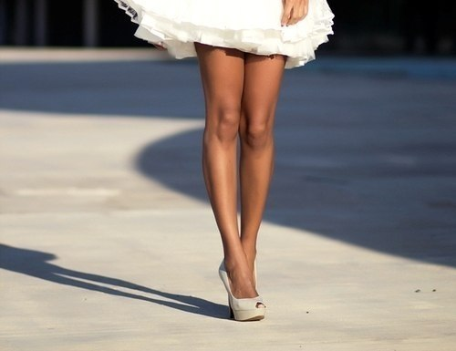 фото девушек со стройными ножками