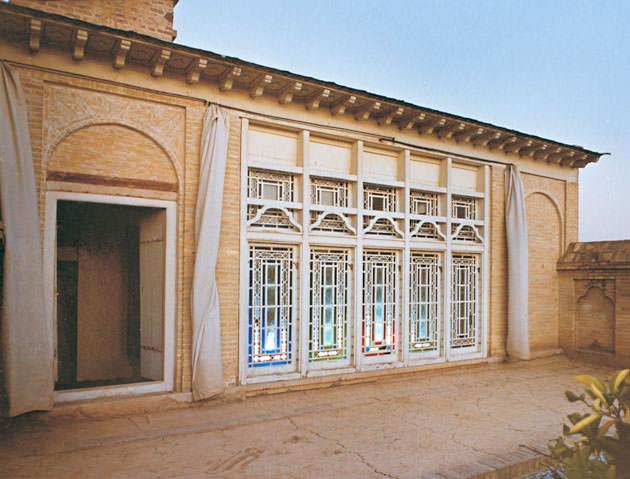 Дом Сейида Али Мухаммеда в Ширази, где он объявил себя Тем Самым. В настоящее время снесён. Кибла для бабидов