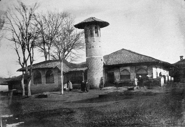 Старая мечеть в Реште