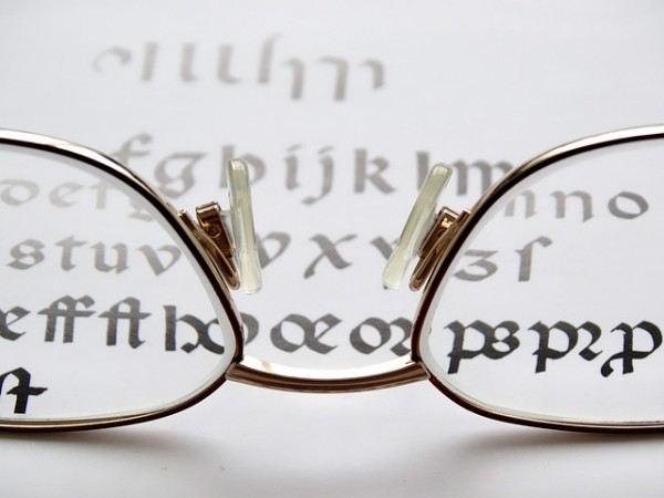reading-glasses-452544_640