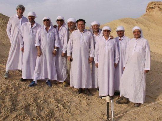 Олигархи в пустыне