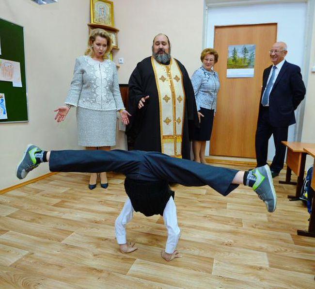 Светлана Медведева в православной гимназии