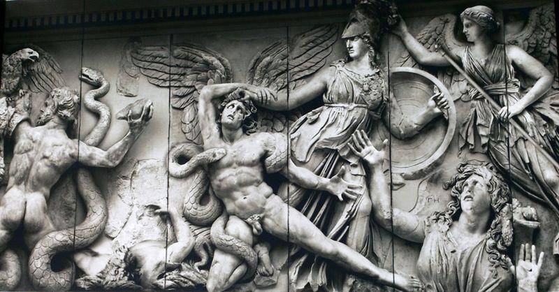 Деталь реконструкции Пергамского алтаря