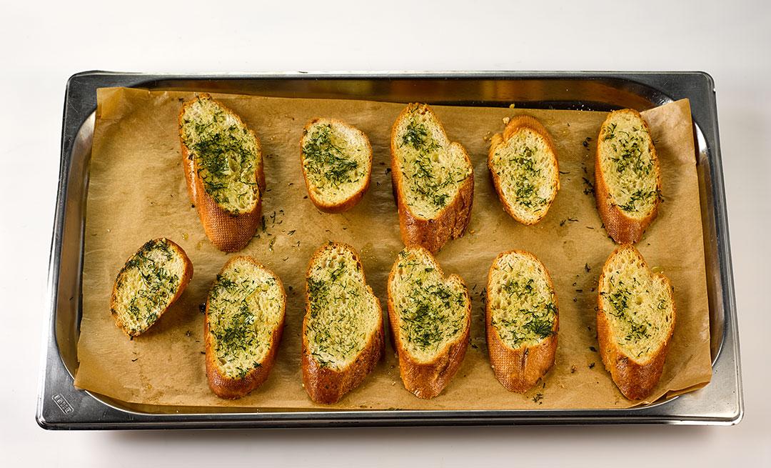 Гаспаччо-хлеб-готов.jpg
