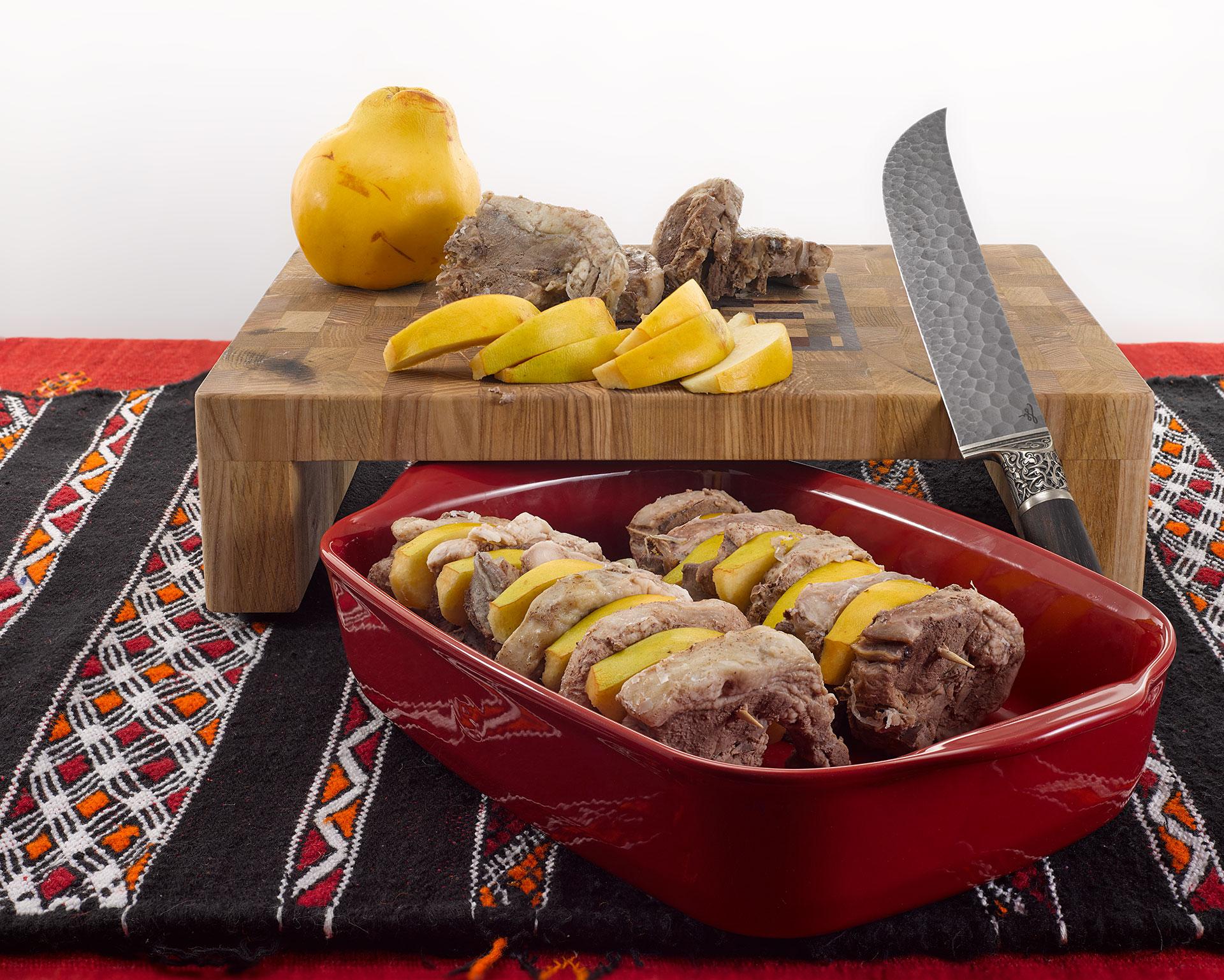 Запеченный-бозбаш-айва-и-мясо.jpg
