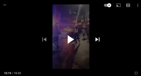 Афроамериканцы сражаются с полицией в Филаделфии под Российским флагом!